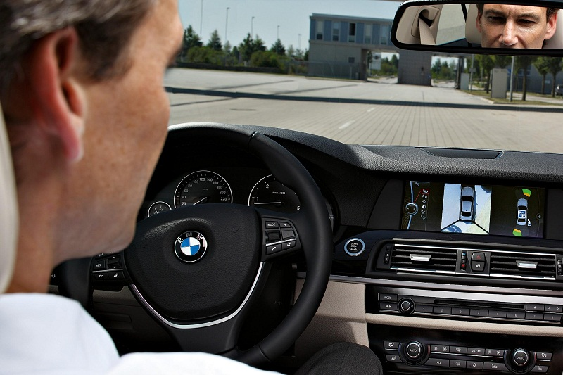 ����� ������� ������� sammy_BMW_Park_Assistant_1.jpg