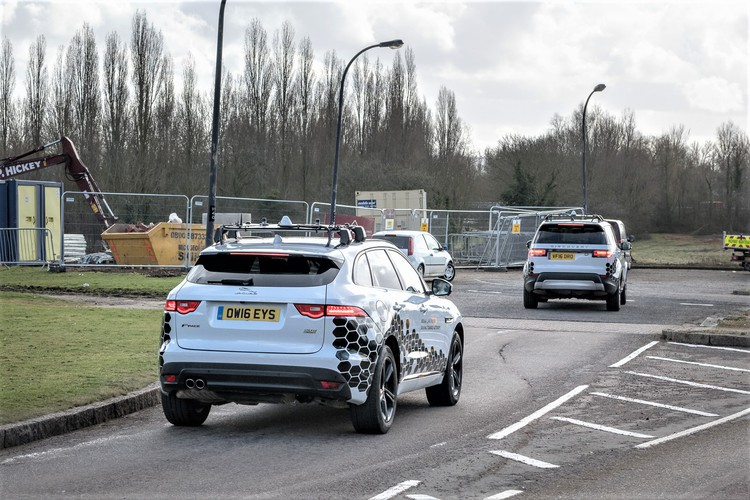 أنظمة الأمان القياسية في السيارات